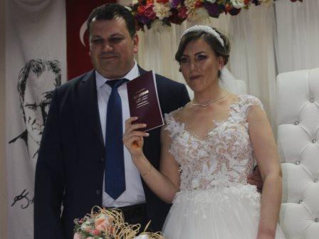 Sezer - Nihal çiftine ömür boyu mutluluklar