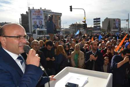 Ak Parti den ALTINOVA da Gövde Gösterisi