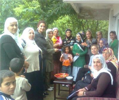 Belediye tarafından desteklenen yerel gündem 21 kadın meclisi ev
